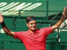 Federer is terug na opgave in Roland Garros en wint eerste partij op gras