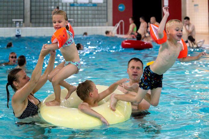 De familie De Lange heeft plezier in het Sportiom, waar alle dagen uitverkocht zijn.