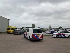 Beveiliger De Eemhof redt persoon uit het water: drenkeling naar ziekenhuis