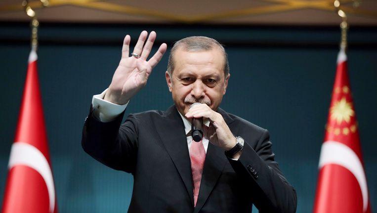 President Erdogan kondigt de noodtoestand af. Beeld AP