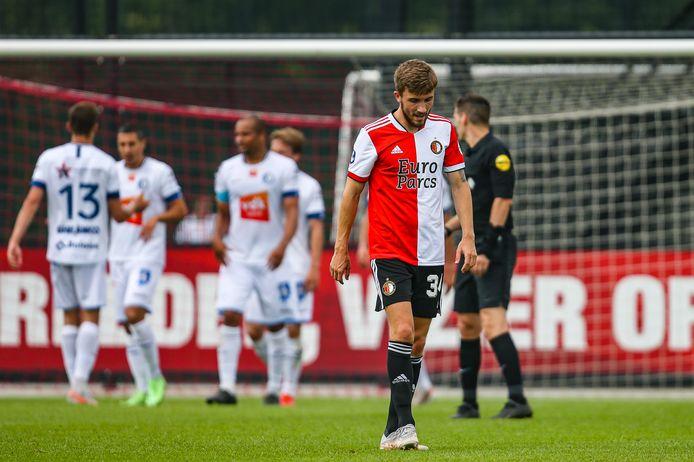 Dylan Vente treurt na de goal van AA Gent.