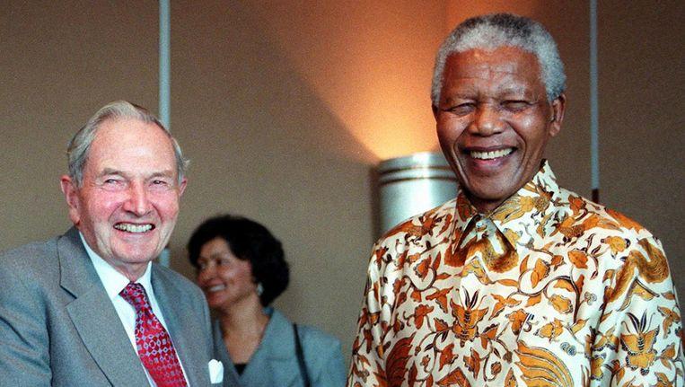 David Rockefeller in 1998 met Nelson Mandela. Beeld AFP