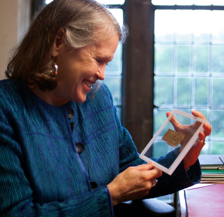 Godsdiensthistorica Karen King met de papyrus Beeld AP