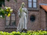 Hoe het komt dat het Huissense Heilig Hartbeeld geen hart heeft en een hand verloor