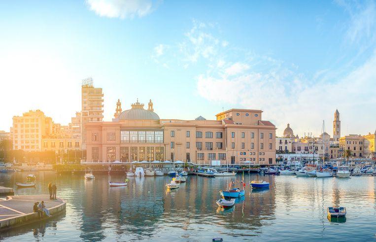 De Zuid-Italiaanse haven van Bari. Beeld Alamy Stock Photo