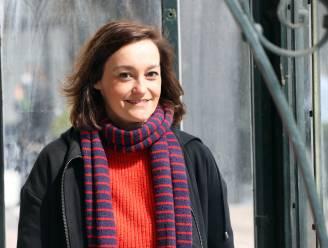"""Tina Maerevoet is kindercoach op de set van 'Thuis': """"Ze weten dat met al hun vragen of twijfels bij mij terecht kunnen"""""""