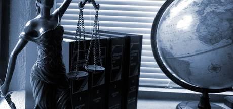 Tweetal advocaten uit Hengelo stopt na conflict met deken