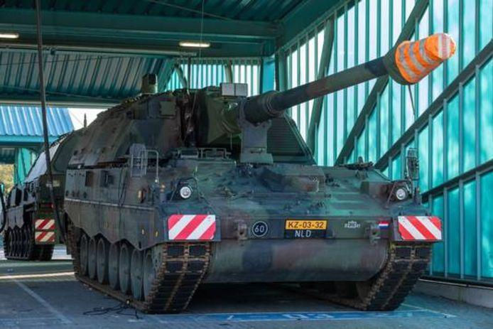 Het Vuursteun Commando beschikte tegenwoordig over ruim twintig pantserhouwitsers, omdat de krijgsmacht meer geld heeft gekregen.