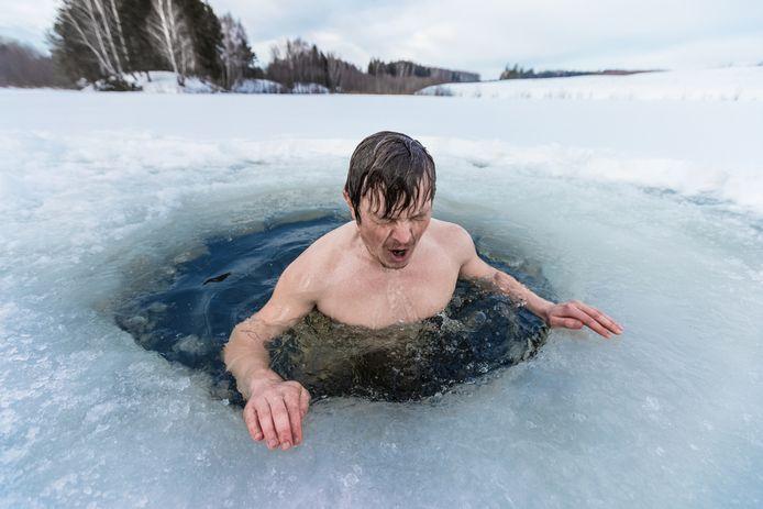 Foto ter illustratie. Je onderdompelen in ijskoud water heeft volgens experts vele voordelen.
