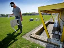 Vandalen voetbalclub Strijen melden zich, bij scouting is ook ingebroken: 'Het dorp staat er niet goed op'