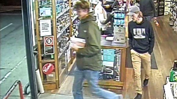 Théo op gisteren door de politie vrijgegeven CCTV-beelden.