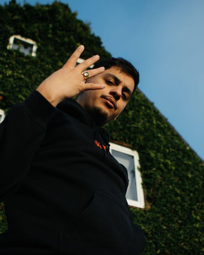 De 24-jarige rapper Laylo heeft zijn nieuwe EP 'Niemand Weet' afgelopen vrijdag gelanceerd.