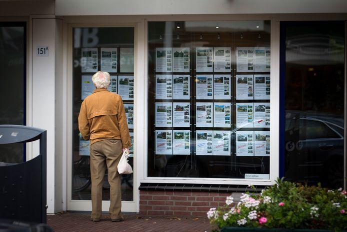 De huizenprijzen zijn vorige maand het sterkst toegenomen in vijftien jaar tijd.