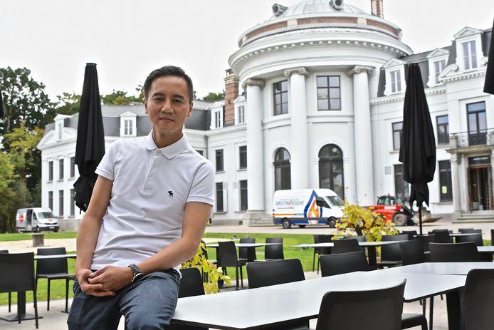 Trung is de nieuwe chef van brasserie Het Koetshuis aan kasteel Blauwhuis in Izegem