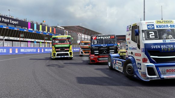 Vooral in de bochten kan de situatie precair worden in European Truck Racing Championship.