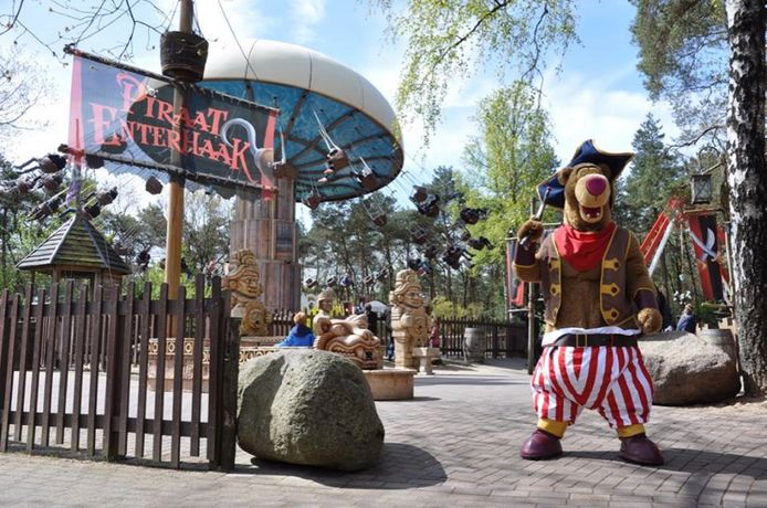 De attractie Piraat Enterhaak met mascotte Bababoemba.