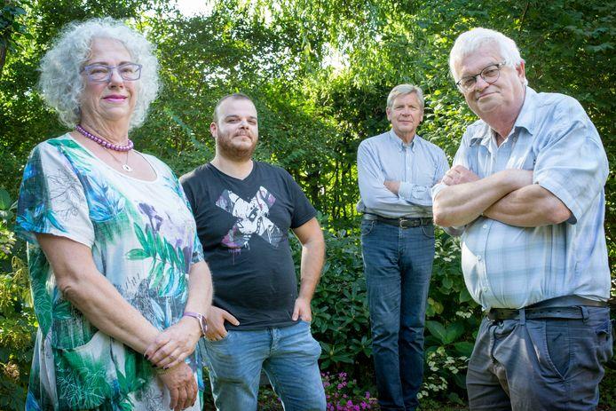 vlnr Bettie Herp, Ahmad Bayae, Martin van Vianen en Jan Hopman.