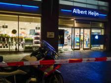 Zwaar vuurwerk ontploft bij winkel in Utrecht, onrust in Veenendaal: agenten bekogeld met vuurwerk