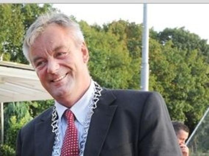 Gerard Adams in zijn functie als wethouder en loco-burgemeester van Grave.