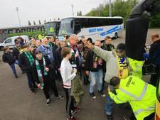 Fans FC Dordrecht zien af in Groesbeek