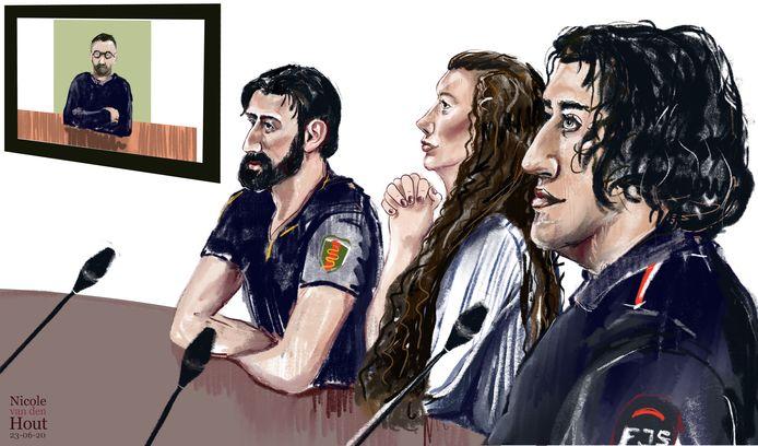 Jaemy P. (op het scherm), de broers M. en 'Het Meisje' tijdens een eerdere zitting in de rechtbank in Zwolle.
