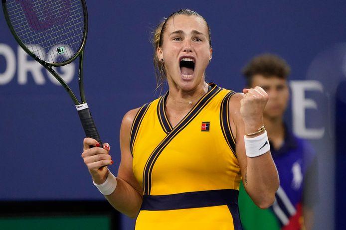 De Belarussische Aryna Sabalenka schreeuwt het uit nadat ze Elise Mertens uit België heeft verslagen in hun vierderondepartij van de US Open.o)