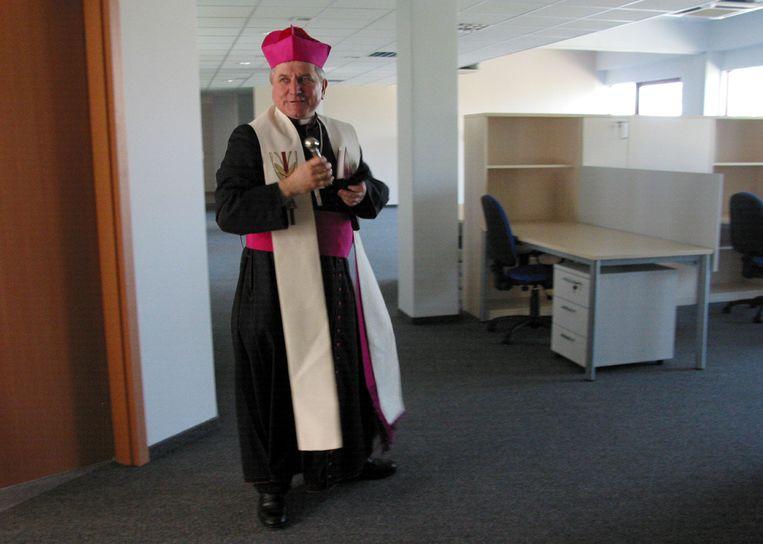 Bisschop Edward Janiak zou priesters die zich schuldig maakten aan kindermisbruik jarenlang hebben beschermd. Beeld via REUTERS