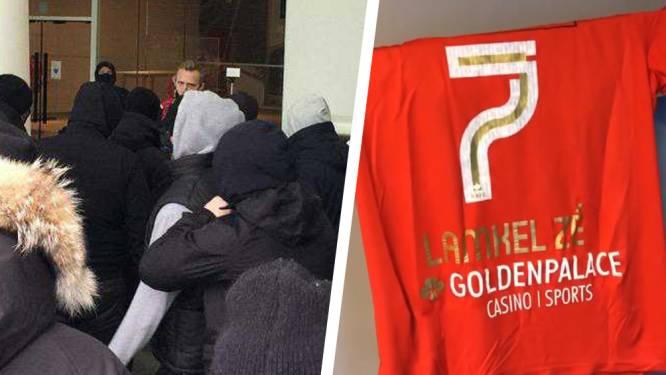 Harde kern verzamelt opnieuw voor stadion Antwerp uit protest tegen Lamkel Zé, Ritchie De Laet smoort rel in de kiem
