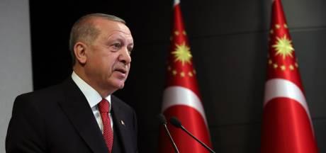 """Erdogan, """"défenseur de l'islam"""" ou leader fragilisé en quête de diversion?"""