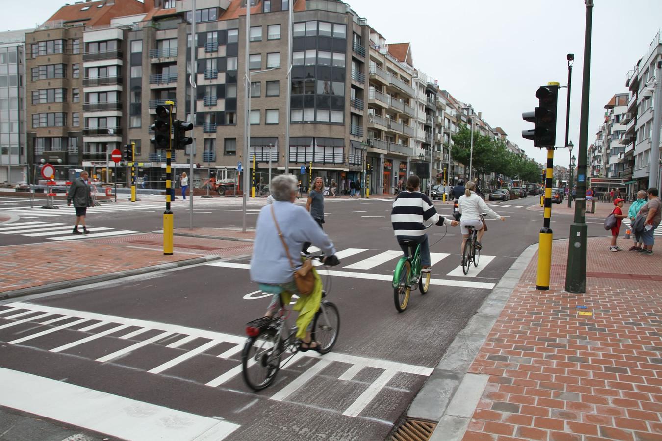 Het kruispunt Lippenslaan met Frans Desmidtplein is opnieuw open.