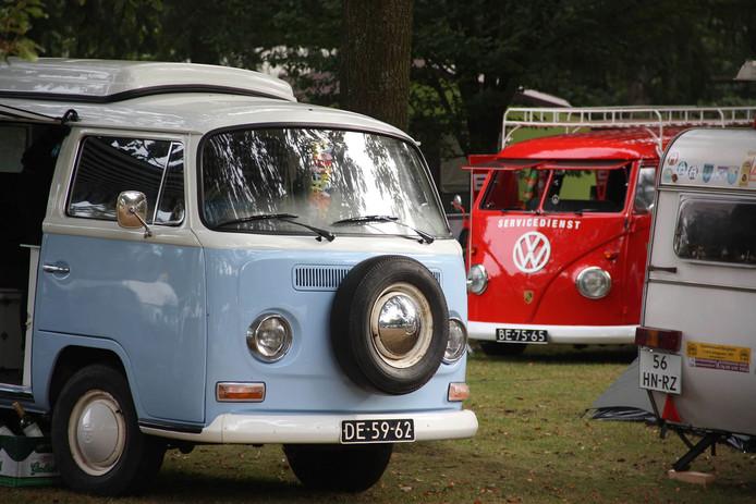 Bij het Boschbad in Apeldoorn is dit weekend de Summer Picnic, het meest ontspannen luchtgekoelde Volkswagen-evenement van Nederland.