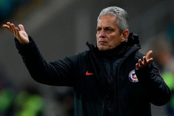 Reinaldo Rueda heeft zijn contract als bondscoach van Chili ingeleverd.
