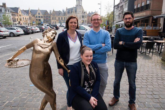 Stefanie Demaeght, Frederik Depicker, Bart Mostaert en Eva Bostyn organiseren de OpenMarkt.