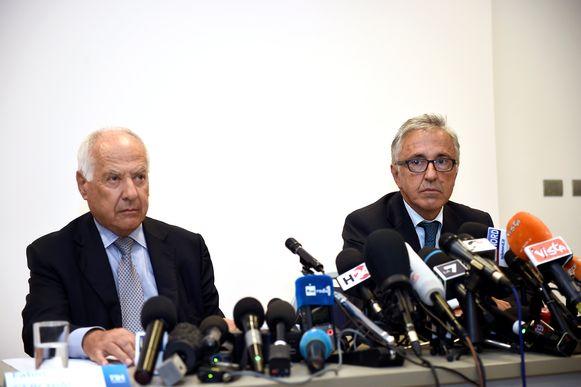 De hoofden van Autostrade per l'Italia Fabio Cerchiai en Giovanni Castellucci tijdens de eerste persconferentie van de exploitant.