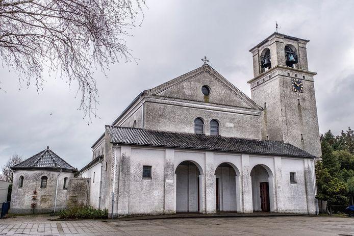 De kerk. Als het aan de werkgroep ligt, komt in het opgeknapte godshuis het dorpshuis.