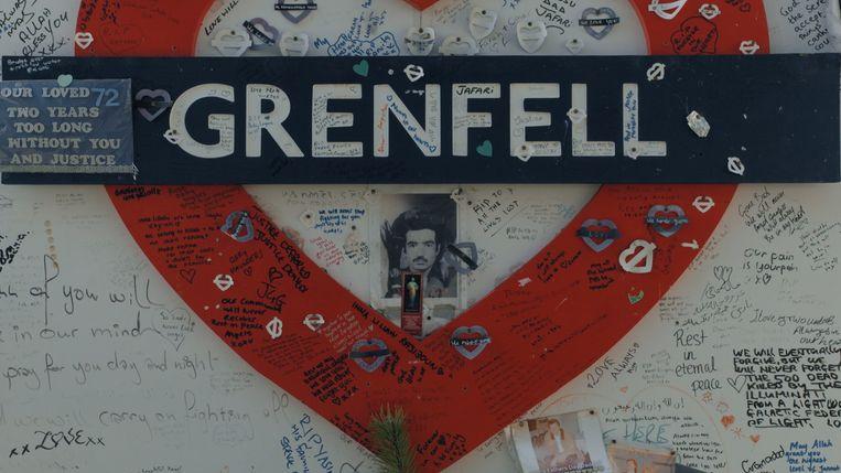 Een eerbetoon aan de slachtoffers van de brand in de Grenfell-toren in Londen. Beeld RV © Panenka - VRT