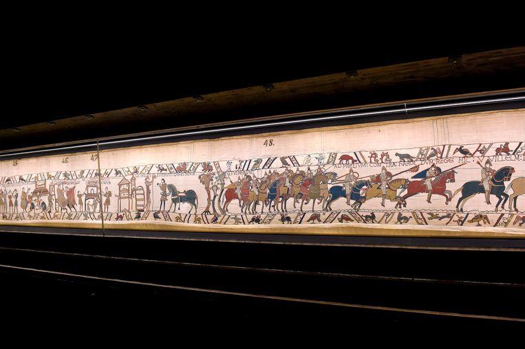 Het Tapijt van Bayeux is 70 meter lang en 50 centimeter hoog.  Beeld AFP