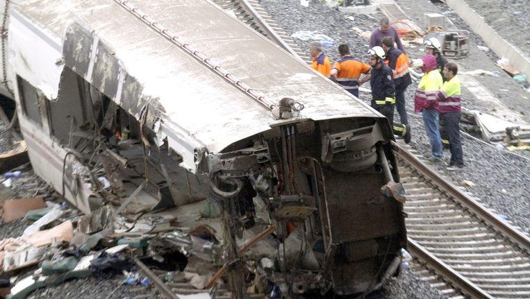 De ontspoorde trein bij Santiago de Compostella. Beeld epa