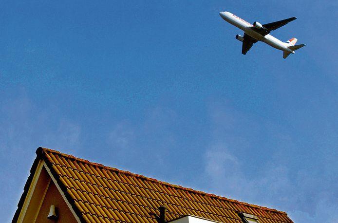 Mensen die last hebben van vliegtuigherrie haken na een jaar klagen vaak af/