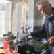 Martien deelt slimme truc voor zandvrije prei in 'Chateau Meiland'