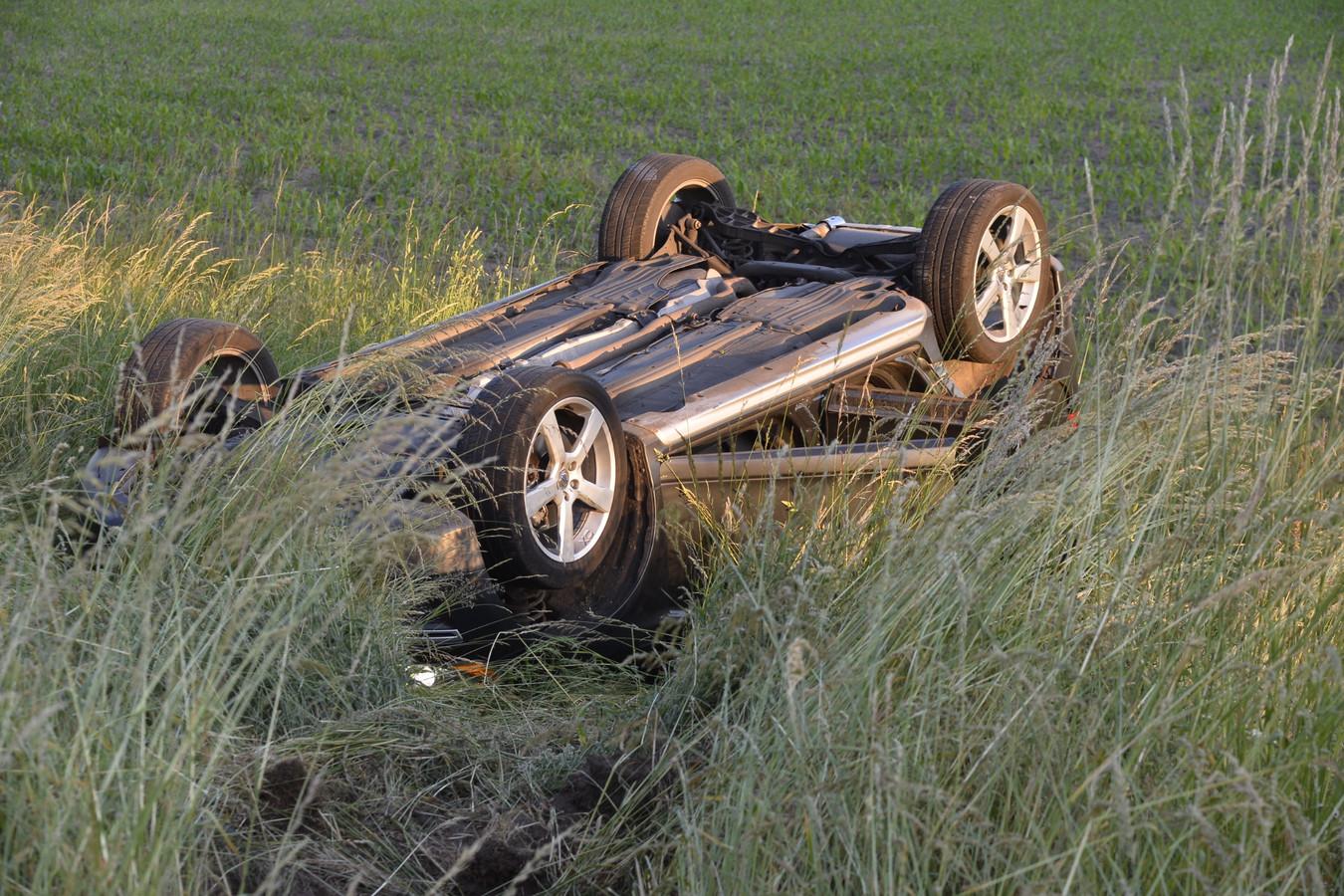 Botsing tussen twee auto's in Ulvenhout.