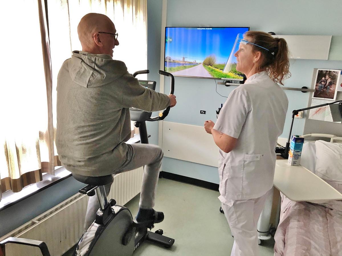 Patiënten die langdurig hun kamer niet uit mogen, kunnen met de hometrainer zelf aan hun conditie werken.