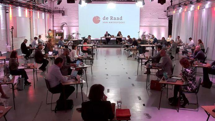 De gemeenteraad van Amersfoort kwam afgelopen dinsdag voor het eerst weer fysiek samen in de Prodentfabriek.