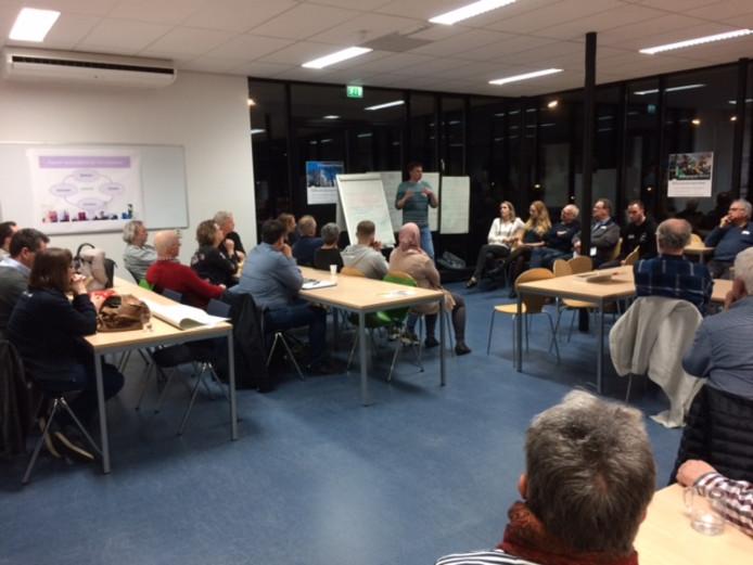 Circa 65 buurtbewoners wisselden van gedachten over de toekomst van de wijken in Bergen op Zoom-noord.