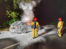 Audi brandt compleet uit op carpoolplaats in Leende