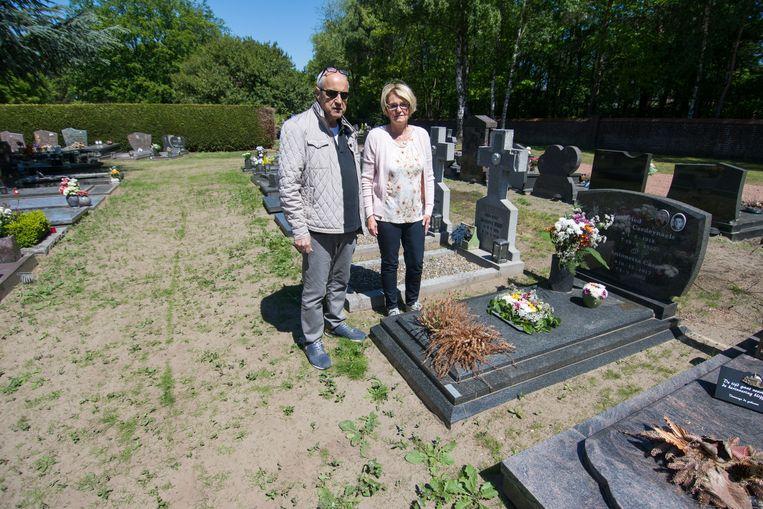Net als Giuseppe is ook Lies Welkenhuysen niet te spreken over de toestand op het kerkhof.