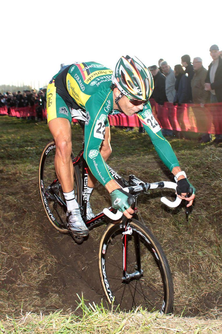Ploegmaat Sven Vanthourenhout effende het pad. Beeld BELGA