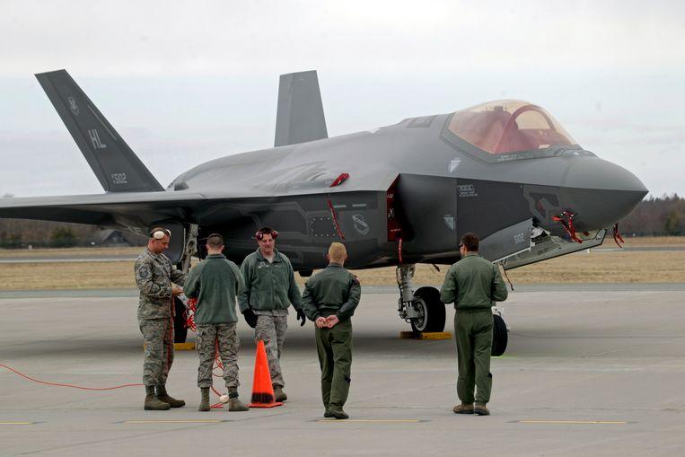 Wereldwijd zijn al tientallen F-35 Lightning II-toestellen ingezet in een operationele testfase,  die nu opnieuw technische problemen aan het licht brengt. Beeld EPA