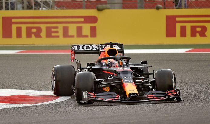 Max Verstappen tijdens de eerste testdag in Bahrein.