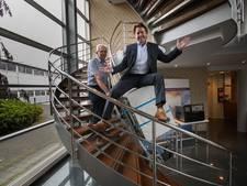 Uitvinder Wim uit Boekel krijgt wasmachine met gemak de trap op